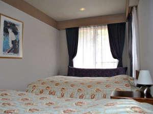 ファーストポリス山中湖:301号室写真-ベットルーム