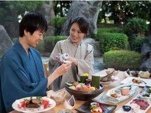 菊南温泉ユウベルホテル:菊泉で庭の眺めながらお食事を...