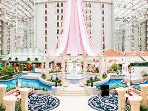 東京ベイ舞浜ホテル クラブリゾート:◇最上階まで9階層吹き抜けになった、開放感あふれるアトリウムロビー(イメージ)