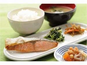 西明石リンカーンホテル:シャケ定食(無料朝食一例)