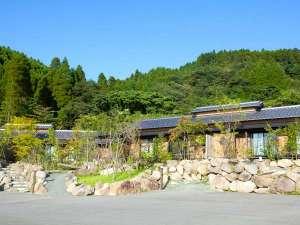 旅館 山翠:広い駐車場がございますのでお気軽におこしくださいませ。