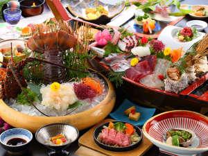 旅館 山翠:料理長おまかせ会席の一例です。仕入れ状況により内容が異なる場合がございますので予めご了承ください。