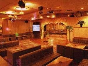 ビーチサイドホテル鹿島荘:楽しさいっぱい!カラオケラウンジ