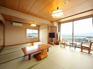 ビーチサイドホテル鹿島荘:海に面した14畳のお部屋