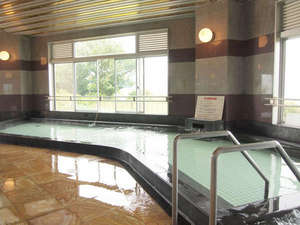 笠戸島ハイツ:*【大浴場】開放的な雰囲気の中でご入浴を満喫。