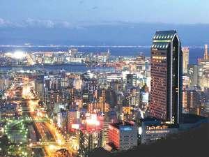 ANAクラウンプラザホテル神戸:【外観】*夜景*神戸の夜といえば夜景。山の手から見下ろす神戸の街は絶景です。