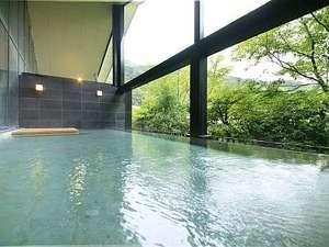 里山の別邸 下田セントラルホテル:せせらぎの湯処:清流を渡る心地良い風を感じられる開放的な女性用露天風呂。