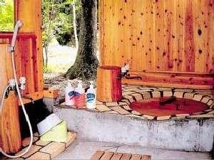 Aso Country Life 六月の風:チビッコも大喜びの露天五右衛門風呂