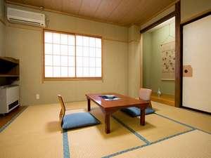 野沢温泉村の小さな料理民宿 畔上館:8畳の和室