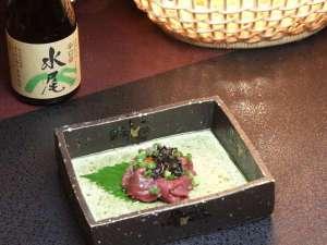 野沢温泉村の小さな料理民宿 畔上館:信州名物「馬刺し」