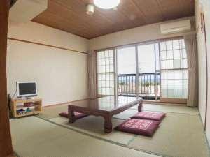 民宿オサキ:*【お部屋】ごゆっくりお寛ぎください。