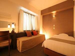 プチホテル京都:■シングル利用でごゆっくりおくつろぎ下さい。