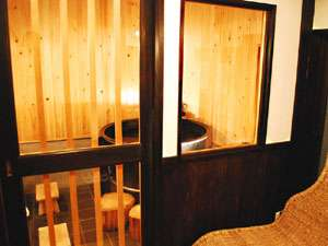 松島プチホテル びすとろアバロン:【五右衛門風呂】レトロな雰囲気をお楽しみください。