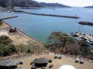 潮香ノ宿 高平屋:全客室から見渡せる北浦湾 眼下で弧をえがきながら悠然と舞う鳥たちが見えます
