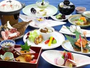 フォレストリゾート 箱根森のせせらぎ:季節の素材を盛り込んだ和会席膳。調理長自慢の逸品揃い。[2017年9月10月の献立一例]