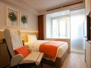 レム日比谷(阪急阪神第一ホテルグループ):【セミダブル】ベット幅はゆったり140cm。包み込まれる様なな寝心地の超高密度構造のベッドマットレス