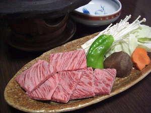 湯平温泉 旅館 坂本屋:溶岩プレート焼きの黒毛和牛です。
