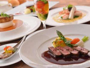 草津ナウリゾートホテル:【フランス料理】上州牛など地元産食材のスペシャリテなど美食のフレンチフルコースをご用意します。