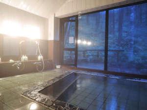 のりくらの宿舞:*【大浴場】すずらん温泉は乗鞍高原の鈴蘭地区より湧出した温泉を引湯、加温しております。