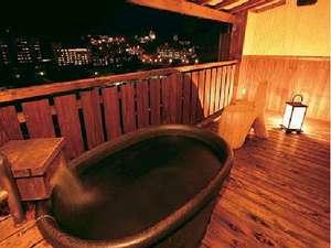 下呂温泉 アートな館 紗々羅(ささら):月のあかり(紗々羅館露天風呂付客室)綺麗な夜景が一望できます