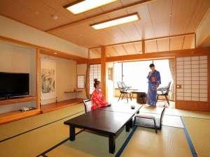 下呂温泉 アートな館 紗々羅(ささら):純木曽檜をふんだんに用いた和室「木の香」(このか)