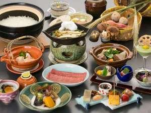 下呂温泉 アートな館 紗々羅(ささら):旬の味覚を味わえる飛騨牛付会席料理「味覚膳」(一例)