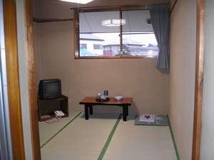 ビジネス旅館丸直:4・5畳、和室 浴室(シャワー、湯船あり)