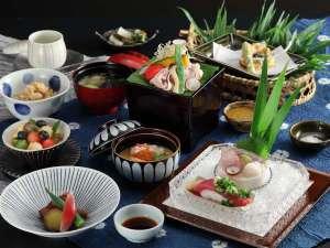 手造り出来たて料理を朝夕個室で楽しむ宿 湯田川温泉九兵衛旅館:料理一例