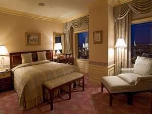 旭川グランドホテル(星野リゾートグループ):シモンズ製ベッド幅は手足を伸ばしても広々の184cm!エクゼクティブスイート(73.7㎡)
