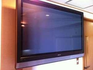 ツイン・ダブルS42型大型テレビ