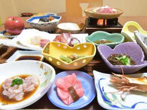温湯温泉 三浦屋旅館:*【夕食】一例/旬の食材を使用したボリューム満点の食事