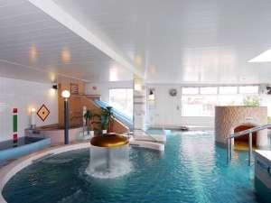 クア・アンド・ホテル 石和健康ランド:【水着ゾーン「湯遊館」】 水着着用。男女一緒に利用可能。 ※宿泊のお客様無料