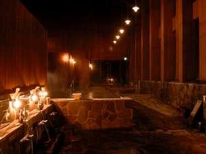 旭川旭岳温泉 湯元 湧駒荘:夜の別館浴場神々の湯は神々の名にふさわしい神秘的な雰囲気を味わえます!