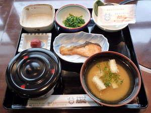 ビジネスホテルタカラ:≪和食≫小鉢を2~3品、ご自由にお選び頂けます♪ご飯は、お替わり自由!