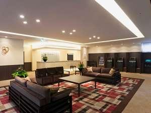 ダイワロイネットホテル大分:広々とした明るく清潔感あふれるロビーでゆったりと