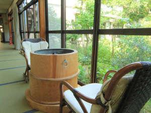 咲花温泉 いろりの宿 平左エ門:◆【館内】廊下は全て、足に心地よい畳敷きです。素足でそのままおくつろぎいただけます