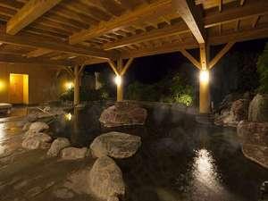 ホテル伊豆急:露天風呂 伊豆最大級のゆったりとした作りです。