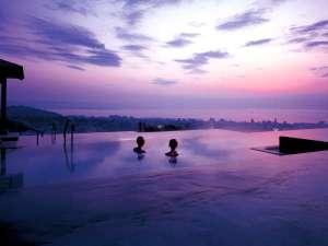 杉乃井ホテル:日本最大級の『棚湯』では樽湯や寝湯など湯処豊富