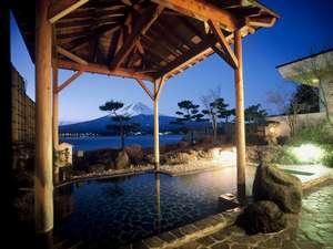秀峰閣 湖月:男性露天風呂
