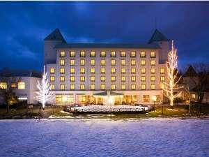 ブルーリッジホテル:冬の時期には綺麗なイルミネーションに包まれます。