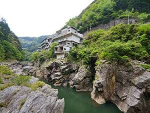 賢見温泉(世界の吉野川で KENMIラフティング)の写真