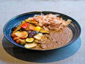 【ランチメニュー】彩野菜ビーフカレー(ランチ付プラン)徒歩3分の居酒屋ブンカで召し上がれます