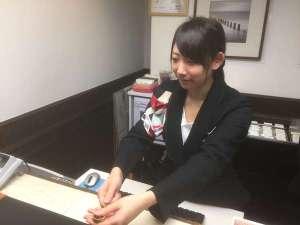 ホテルウィングインターナショナル湘南藤沢:フロントは24時間対応でございます♪