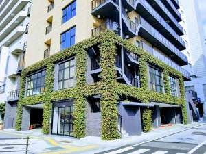 BRENZA HOTEL / ブレンザホテル:植栽のある外観。
