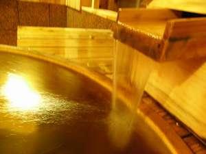 ヒノキの香る貸切風呂        良質な美肌の温泉を独り占め