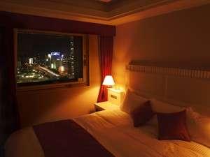 新横浜グレイスホテル:部屋の明かりを落として、寛ぎの時間はいかが?