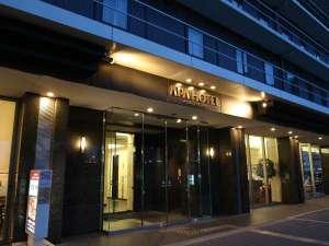 アパホテル<堺駅前>:正面玄関前