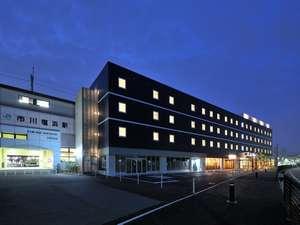 CVS・BAY HOTEL:03-南東面外観夜景.jpg