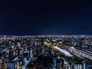 【高層階からの景色】大阪のうっとりしてしまうような美しい夜景です。
