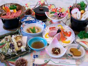 八幡平グリーンホテル:*夕食一例/地元の食材・手作りにこだわった会席料理を食事処にてご用意致します。(露天付客室用)